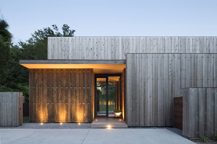 Elizabeth II, A Beautiful Home in Amagansett by Bates + Masi Architects Jason Schwartz
