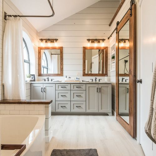 Farmhouse Master Bathroom Design Ideas, Remodels & Photos.. SAVED BY WENDY SIMMONS.
