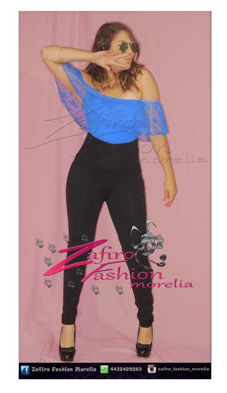 Traje de baño/ body con copa preformada Color: azul electrico, negro  Material: Licra con encaje grueso  Talla: Unitalla (abarca hasta la 36)  Leggins tiro alto faja gruesa y dura Color: Vino y negro Material: Licra gruesa  Talla: Unitalla  encuentra este outfit y mas en  ♥ facebook www.facebook.com/Zaf.girl/ ♥ Instagram en @zafiro_fashion_morelia ♥ Modelo instagram @stephy_viveros ♥ whats: 4432429263  #zafirofashionmorelia #ilovezafiro #Body #pantiblusa #Campesina #Encaje #AzulElectrico