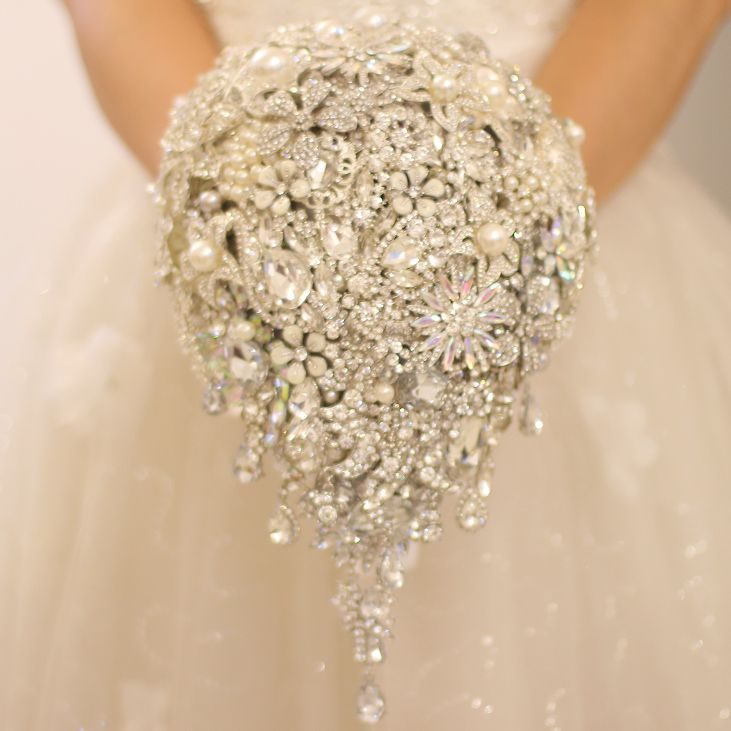 Find More Wedding Bouquets Information about Silver brooch bouquet high end… http://www.aliexpress.com/store/product/Silver-brooch-bouquet-high-end-custom-wedding-bridal-bouquets-crystal-diamond-teardrop-style-Bride-s-Bouquet/621238_32548338099.html