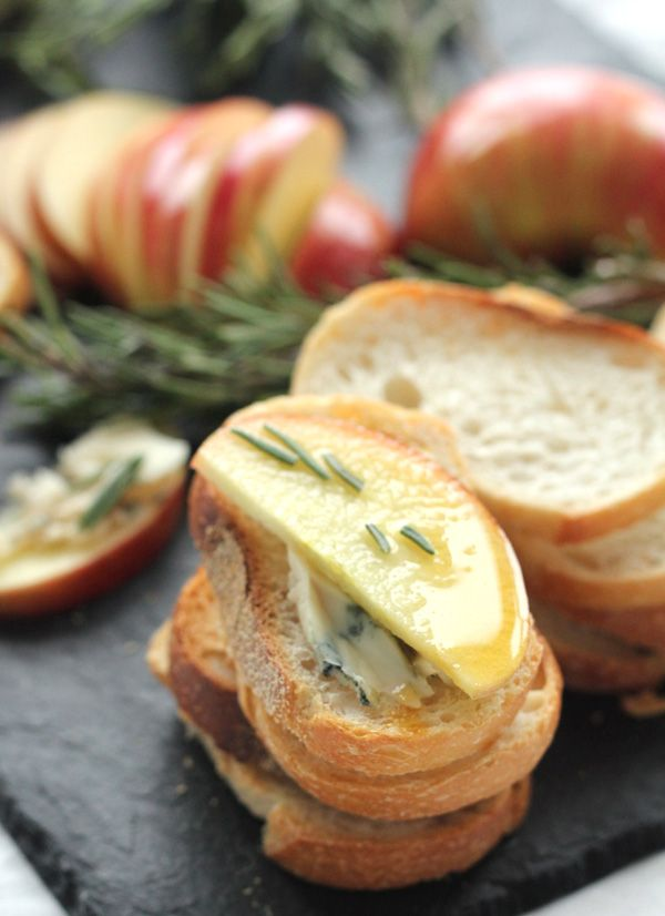 Honeycrisp & Gorgonzola Crostini. An easy, delicious and impressive appetizer. Perfect for a fall gathering!