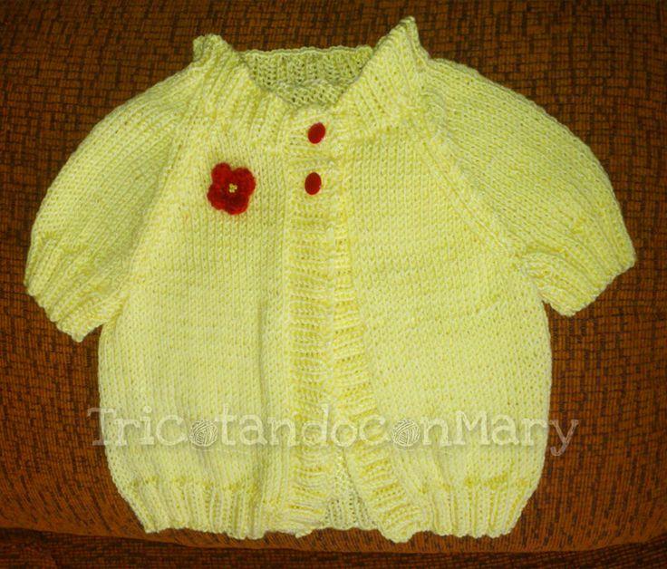 Chaqueta de Primavera, tejida en punto jersey y los bordes en punto elástico. • Spring jacket, woven in jersey and ribbed edges.