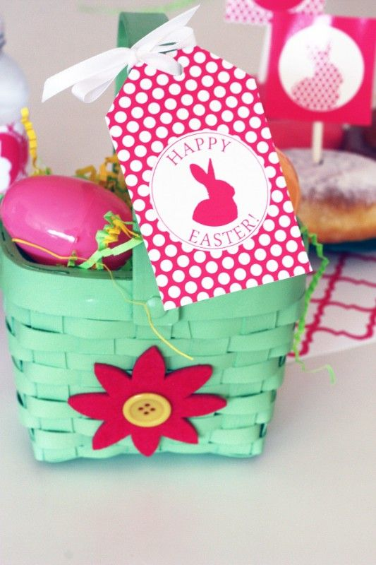 A sweet free collection of Easter printables!