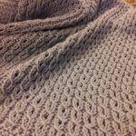 27.- Manta de bebé con ochos fáciles / Baby Blanket with Eyelet Mock Cable Ribbing