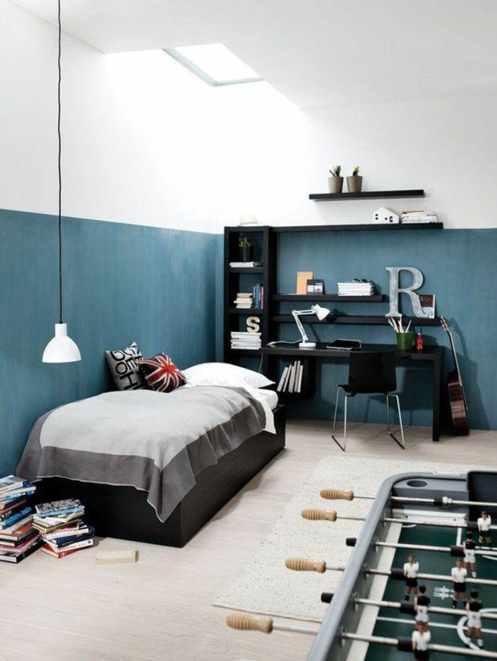 comment aménager une chambre d'ado garçon, déco épurée et élégante en noir et gris, murs en blanc et bleu canard,