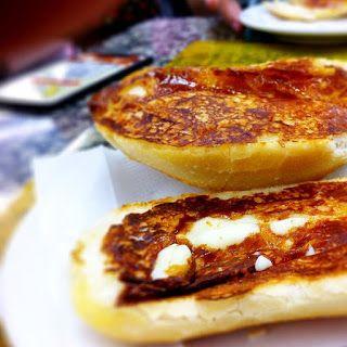 COMIDINHAS       FÁCEIS: Pão na chapa com requeijão cremoso