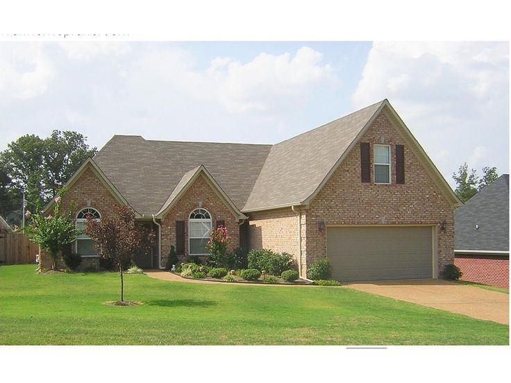 Traditional Brick Home - plan #087D-1276   houseplansandmore.com