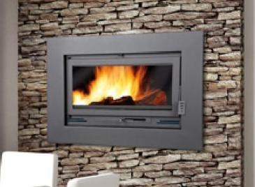 Un insert o casete puede ser encastrado en una decoración preexistente, o también ser incorporados en una chimenea de nueva construcción.