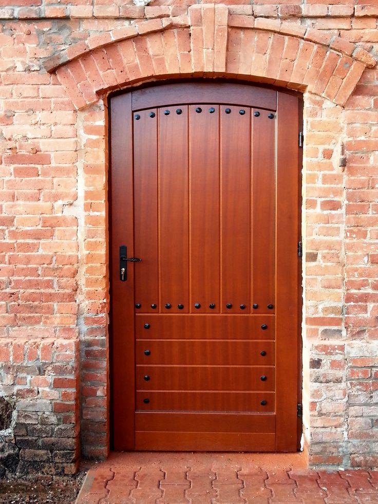 Drzwi zewnętrzne MODEL DZ 105 #drzwidrewniane #drzwizewnetrzne #door #wood #stolarnia #drzwimarzeń #realizacje www.stolarski.com.pl