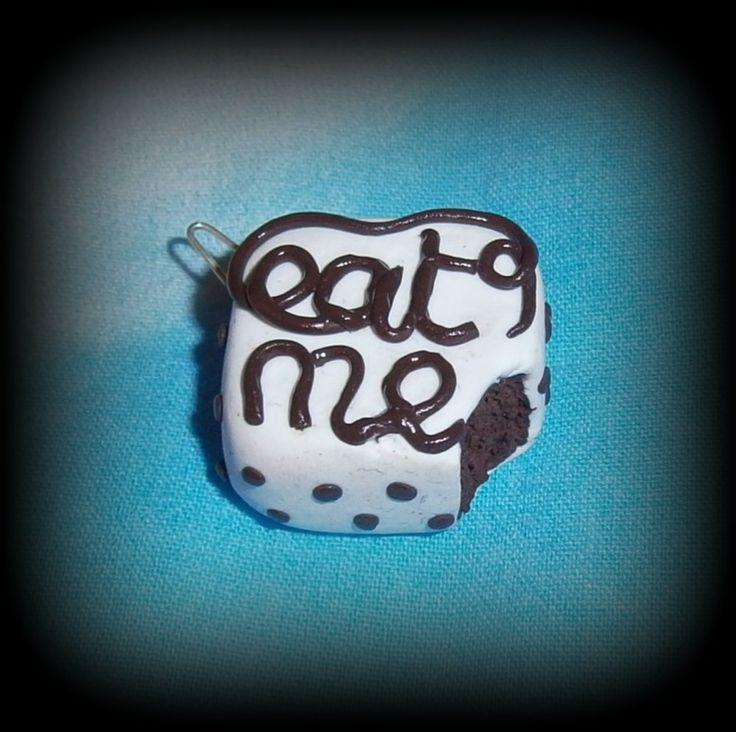 Fimo, Eat me, disponibile come collana, anello