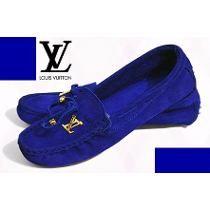 Sapato mocassim feminino louis vuitton couro cor azul forte eu gostei, gostei é pouco eu amei :)