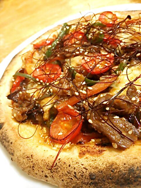 野菜たっぷり、お肉たっぷり♪ボリューミーなピザになりました(笑 - 156件のもぐもぐ - 具沢山プルコギピザ by TOTOLONNE