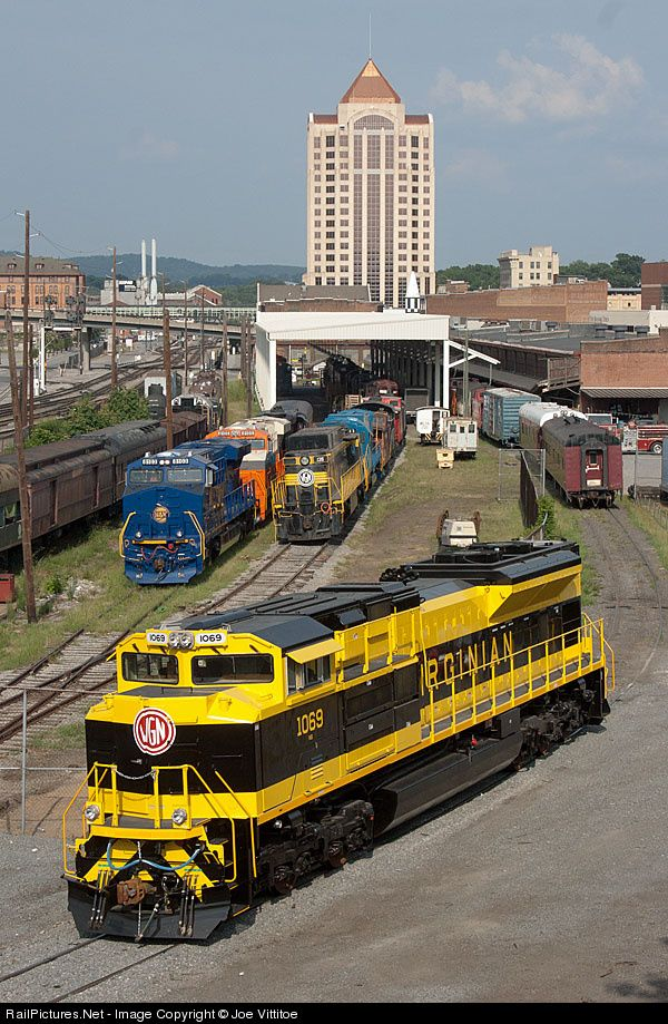 RailPictures.Net Photo: NS 1069 Norfolk Southern EMD SD70ACe at Roanoke, Virginia by Joe Vittitoe