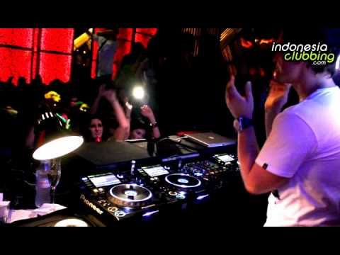 FEDDE LE GRAND  Ranked Number 29 DJ in The World (DJ MAG 2009)    Back at Dragonfly Jakarta with the Red Beat House Nation Edition.    Saturday 8 May 2010