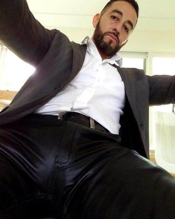 Pin On Bulge In Leather Pants-3971
