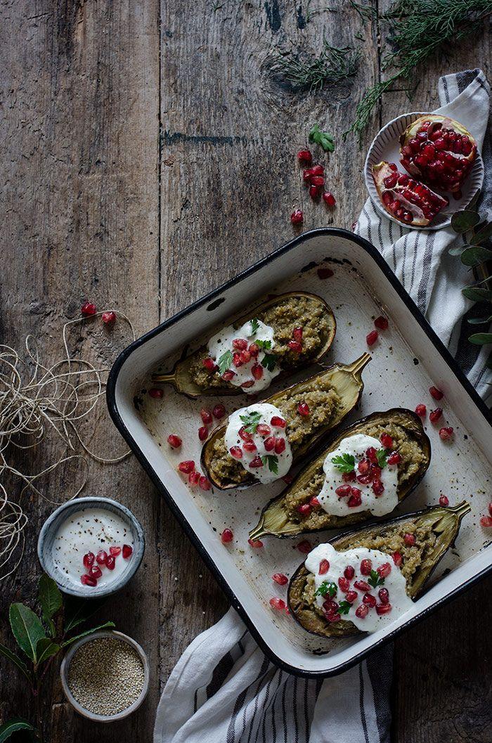 Berenjenas asadas rellenas con quinoa   Roasted aubergines stuffed with quinoa http://saboresymomentos.es