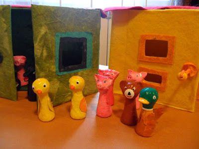 #Bábországban a bábok bábházakban laknak: különféle #ujjbábok készültek a legkisebbeknek.