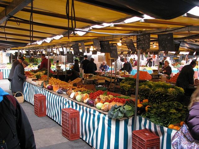Farmer's market outside Versailles. Best food market. Has ...