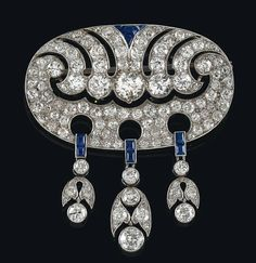 A diamond and sapphire brooch,  platinum 950, old-cut brilliants, -diamonds, total weight ca. 6 ct, workmanship 1st third 20th cent.