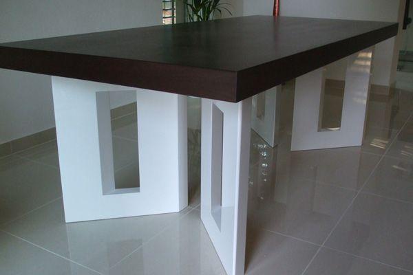 Jidelni stul. Praha Design table