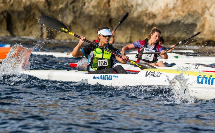 Kayak de mar en Mallorca. Raquel Bota, del RCNP, subcampeona de Europa. Foto: Laura H. Guerra.