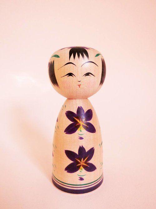 Sakunami kokeshi doll by Hiraga Teruyuki