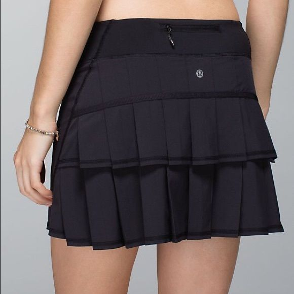 Lululemon skirt New condition, I don't remember using it. Size 8 tall lululemon athletica Skirts