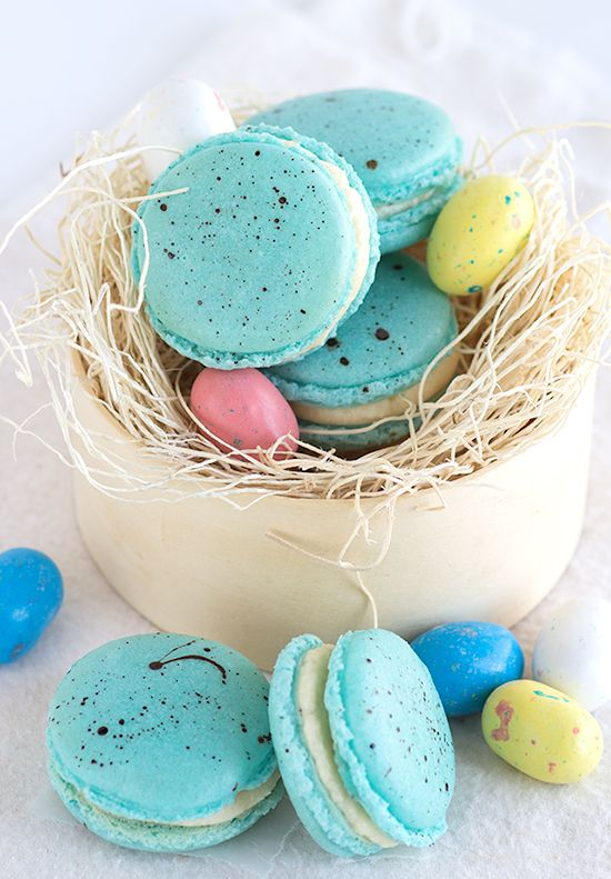 Beautiful robin egg inspired macarons filled with a malted milk frosting that's perfect for Easter!