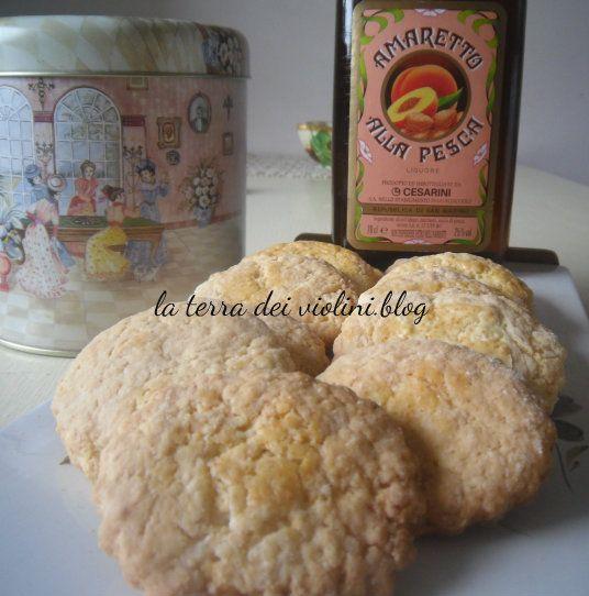 Biscotti al profumo di pesca e amaretto , Ricetta riciclo albumi
