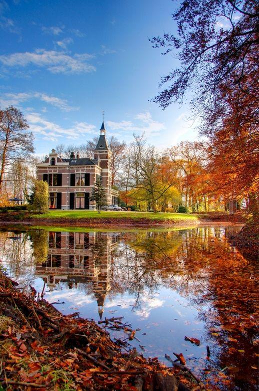 Castle ''De Bannink'' in Bathmen (picture bij alexwit). #autumn #reflections #holland