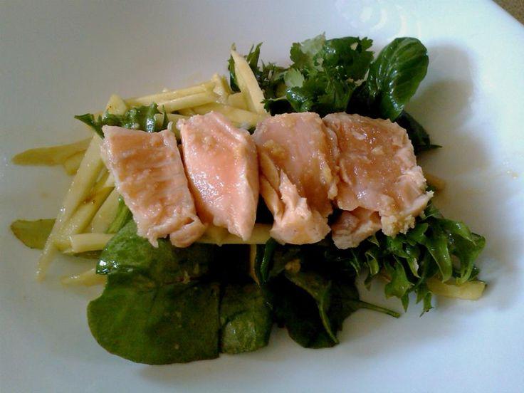 Salmon and green mango salad