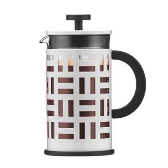 Den stilrena vita presskannan Eileen från danska Bodum är designad som en hyllning till den irländska formgivaren Eileen Gray, men även till alla som älskar gott kaffe och att besöka bistros eller caféer i Paris, Grays favoritstad. Kaffepressen är tillverkad i rostfritt stål och borosilikatglas och är försedd med ett runt handtag som ger ett skönt och säkert grepp. Brygg gott och varmt kaffe i den fina presskannan och kombinera den gärna med andra funktionella produkter från Bodum! Välj ...