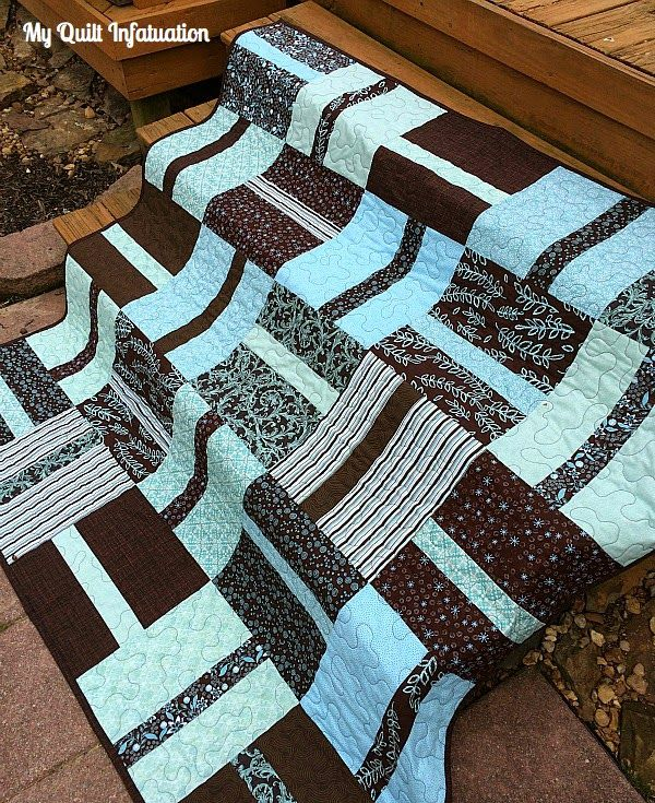 Fun simple pattern in shades of two colors is very striking