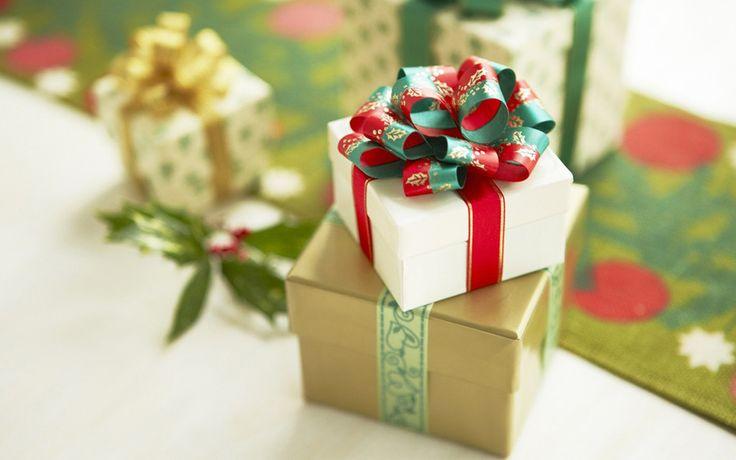 """""""O Natal vem vindo, vem vindo o Natal""""! O Natal está chegando e você ainda não sabe o que comprar de presente? Vem com a gente e veja nossas sugestões para"""