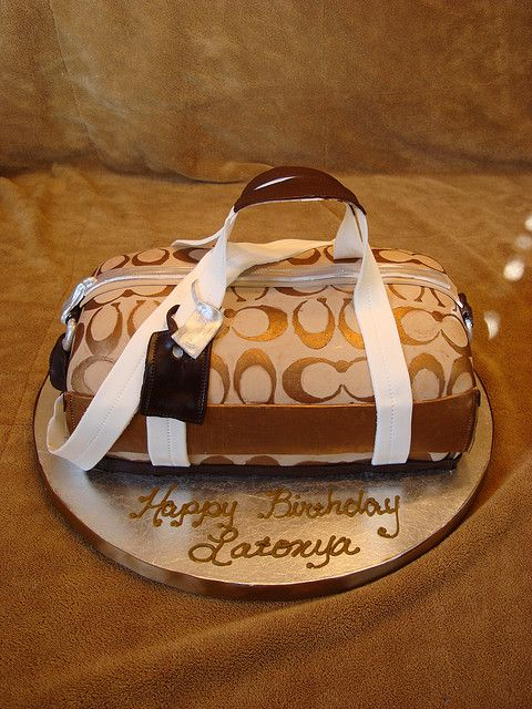 Lovely detail on this purse cake ~ South Florida Cake Lady