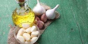 Cómo hacer aceite de ajo en casa