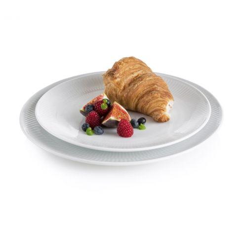 - Sæt med 8 Tallerkener! - 4 stk. Royal copenhagen Hvid riflet Coupe 23 cm. Frokosttallerkener.  - 4 stk. Royal copenhagen Hvid riflet Coupe 27 cm. Middagstallerkener. - Økonomipakke! - Begrænset antal!  Dette er et begrænset tilbud, som indeholder 8 Royal copenhagen tallerkener, i 2 forskellige størrelser. Super flotte og enkle tallerkener som kan tages frem til enhver lejlighed! Stor besparelse, og så får du tallerkener til hele familien!