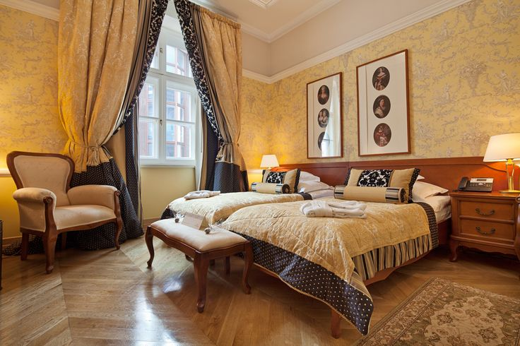 DeLuxe Room no. 204  Book now on: http://www.palacbonerowski.com/accomodation-page-73162  #krakow #travel #thebonerowskipalace #historichotelsofeurope #boutique #object #poland #luxury #VIP #cracow #accomodation.  Best for luxury and romantic stay in the Krakow city centre.