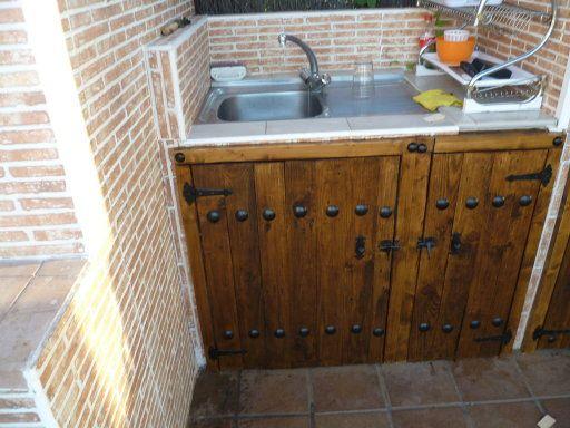 Puertas hechas con palet puertas for Mesa cocina rustica