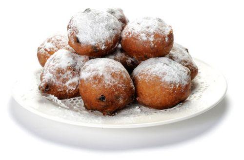 """Oliebollen, maar anders dan wij kennen. Een recept van een oude Duitse buurvrouw. Absoluut geen """"vetballen""""."""