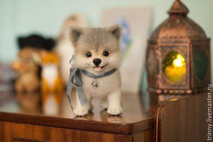 Купить или заказать Валяная игрушка Шпиц Лютик в интернет-магазине на Ярмарке Мастеров. Маленький щенок померанского шпица Лютик. Выполнен в технике скульптурного валяния из натуральной овечьей шерсти. Единственный экземпляр.