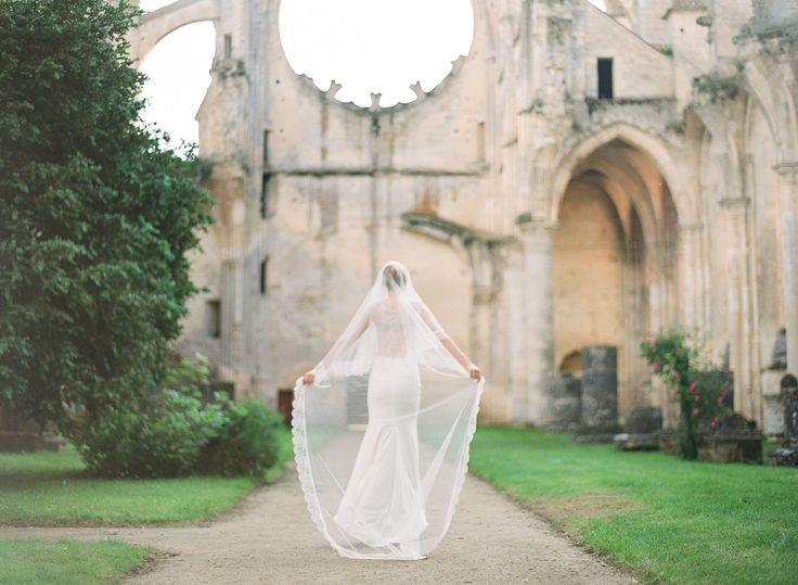 wedding veil  / cathedral veil / lace bridal veil @orchideedesoie www.orchideedesoie.com