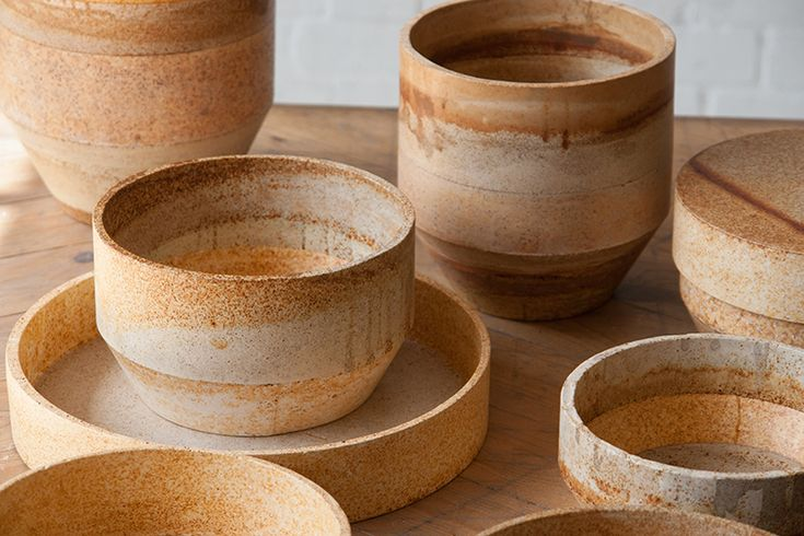 The RUST range is composed of pots, trays and vases created by mixing metal dust with plaster and eco-resin (Jesmonite). No two items in RUST are the same: the collection is entirely hand-made and the metal dust oxidation gives each product a unique texture, varying in colour and intensity.