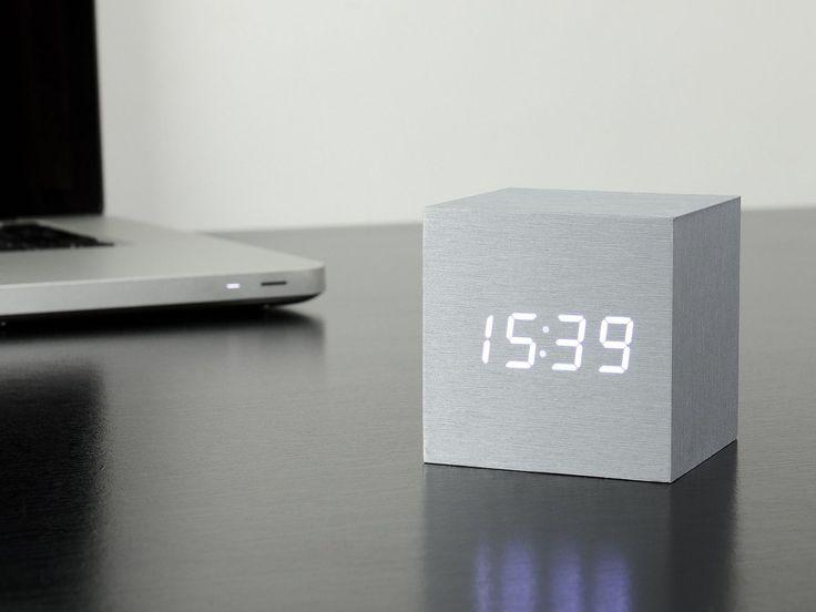 gingko-cube-click-clock-aluminium-white_02