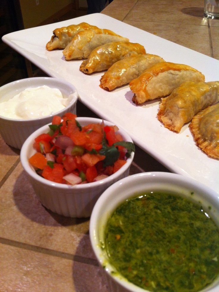 Empanadas argentinas Gives recipe for disco dough