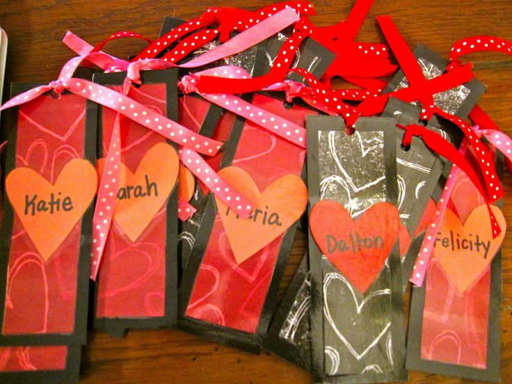 Valentine's Day Gift from teacher, bookmarks. ~Pinned by www.FernSmithsClassroomIdeas.com