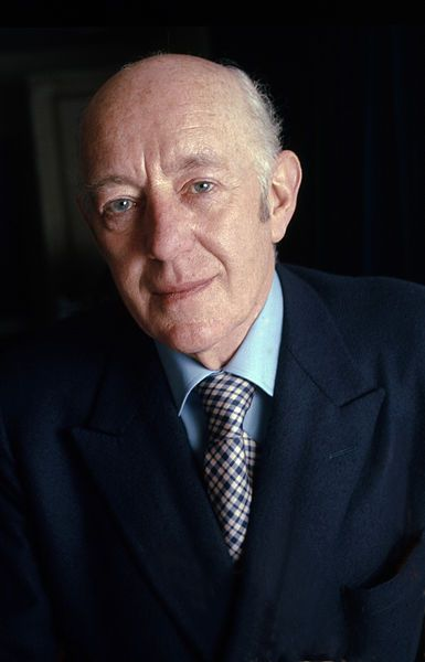 Today we remember actor Sir Alec Guinness, who passed away on this day 15 years ago.