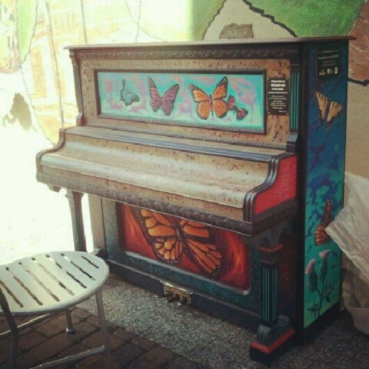 one of many painted pianos in Fort Collins