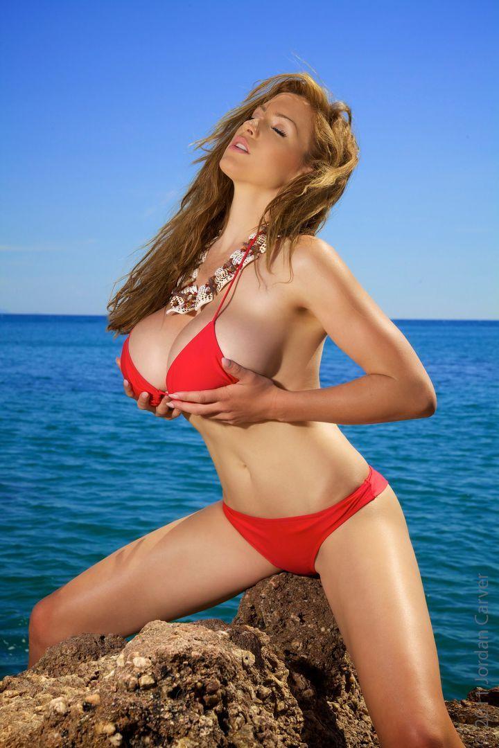 Half-decent video Model in red bikini