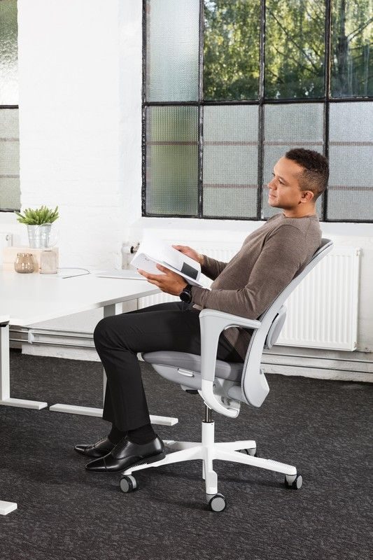 HÅG SoFi mesh incorporated market-leading technology, and beautiful aesthetics, to provide a seating solution that offers great design, supreme comfort and endless flexibility #InspireGreatWork #design #ergonomics #Scandinavian #chair